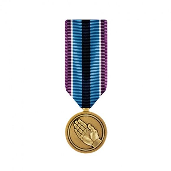 """Медаль """"За гуманитарную помощь"""" США"""
